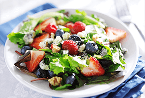 Mesclun Salad with Cheese, Berries& Candied Walnuts
